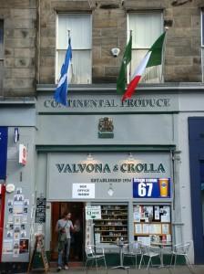 2010-08-20. Fringe Venue Valvonia & Crolla