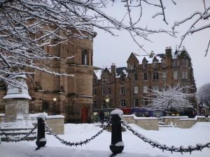 爱丁堡大雪校园的 Bristol Square