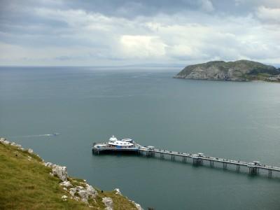 威尔士有许多滨海小镇,这是 Llandudno。以后有机会要常去威尔士海滨沙滩。