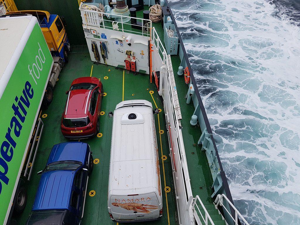 在前往斯凯岛返回大陆的轮渡上