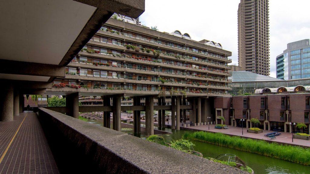 伦敦的巴比肯楼群(Barbican Estate)