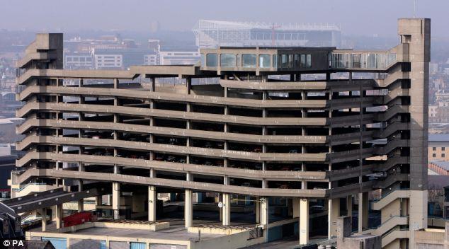 盖茨亥德(Gateshead)这座著名的粗野主义风格高层停车场最终未能逃脱被拆毁的命运