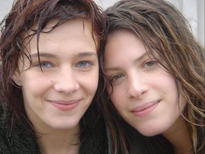 Hande Kodja (Nina) & Céline Sallette (Lizzy)