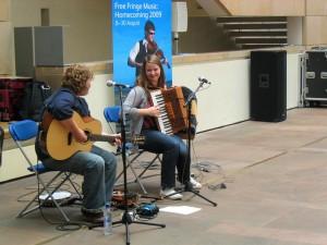 edinburgh 2009-08-1008800 Anna Massie & Mairearad Green