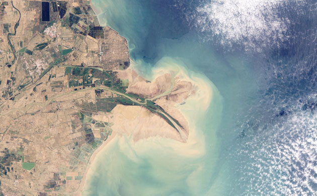 2010-02-03. Chinas Huang He Yellow River