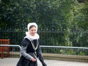 游行队伍里还有 Mary Queen of Scots