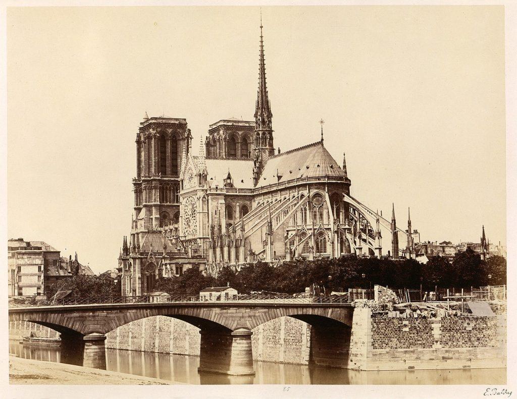 1860年代的巴黎圣母院